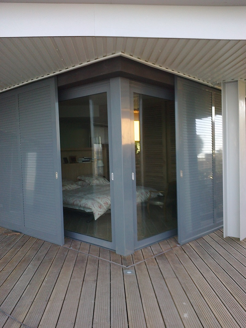 volets arc en ciel menuiserie aluminium pvc. Black Bedroom Furniture Sets. Home Design Ideas